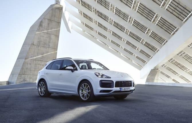 Nuova Cayenne E-Hybrid, Porsche all'attacco