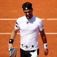Tennis, Madrid: Fognini saluta subito, ko con Mayer. Fuoi anche Lorenzi