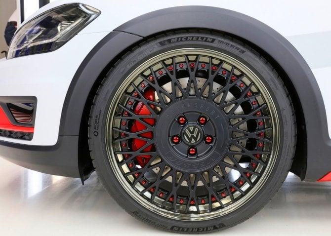 Volkswagen Golf Variant TGI GMotion Concept