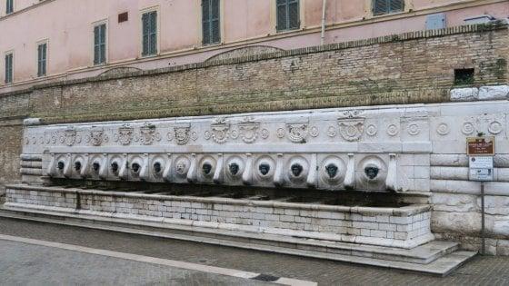 Falesie e antichità, il fascino discreto di Ancona