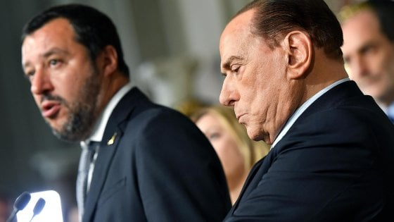 """Governo M5S-Lega, Berlusconi: """"Nessun veto all'intesa ma no alla fiducia"""""""