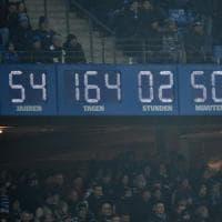 Germania, Amburgo appeso a un filo: l'orologio infinito ha i minuti contati