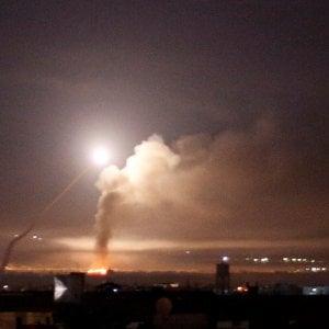 """Israele, raid dopo i missili iraniani. Netanyahu: """"Teheran ha oltrepassato la linea rossa"""""""