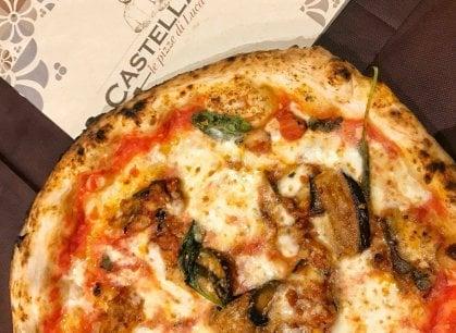 Napoli, la tradizione della pizza del Trianon continua in collina
