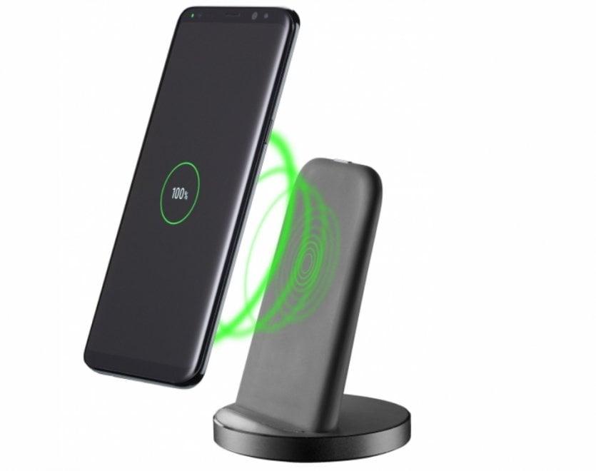 Cellularline, ricaricare lo smartphone senza cavi e a buon mercato