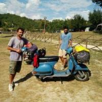 Mille km in Vespa nelle zone colpite dal sisma:
