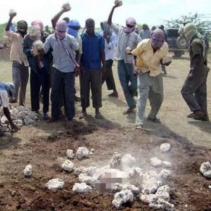 Pena di morte, Somalia: una donna lapidata dai miliziani di Al-Shabaab