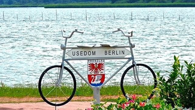 Tra capitali, santuari, mare e monti. In bici