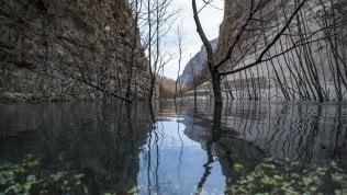 Il laghetto che si è formato dopo il sisma