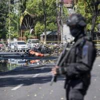 Indonesia, attacchi ravvicinati in 3 chiese: bombe uccidono diverse persone