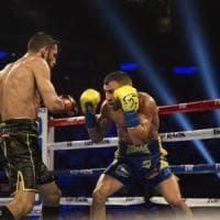 Boxe, Lomachenko già nella storia: battuto Linares, è re anche dei leggeri