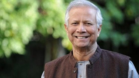 Yunus, banchiere dei poveri, boccia il reddito di cittadinanza: È la negazione dell'essere umano