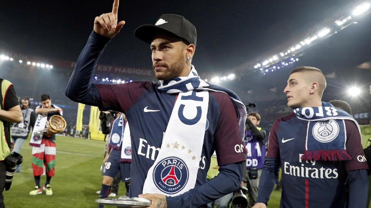 "ROMA - ""Neymar resterà al Paris Saint-Germain al 2000%"". Nasser"
