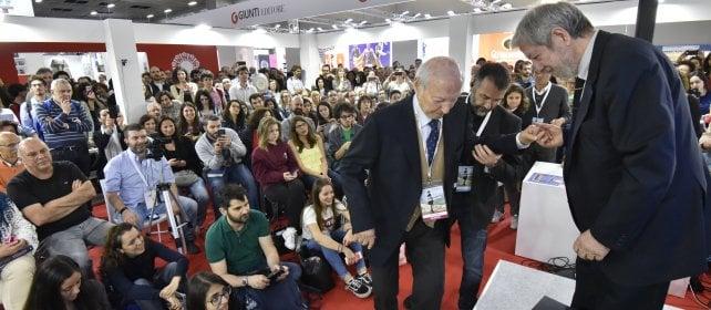 """La lezione ironica di Piero Angela: """"La velocità della luce non si decide a maggioranza"""""""