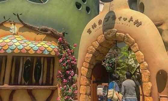 Tokyo, un villaggio solo per i gatti ispirato allo Studio Ghibli