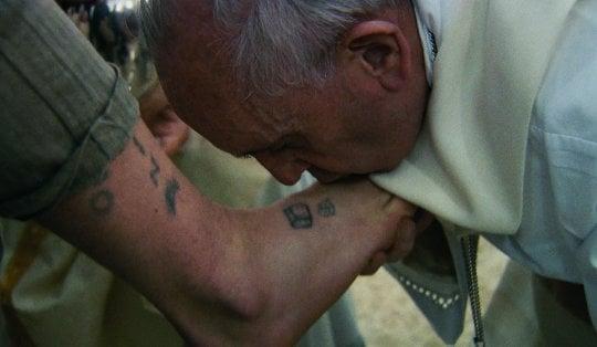 """Francesco (secondo Wenders), uomo di parola e di gesti: """"La Chiesa povera dei poveri"""""""