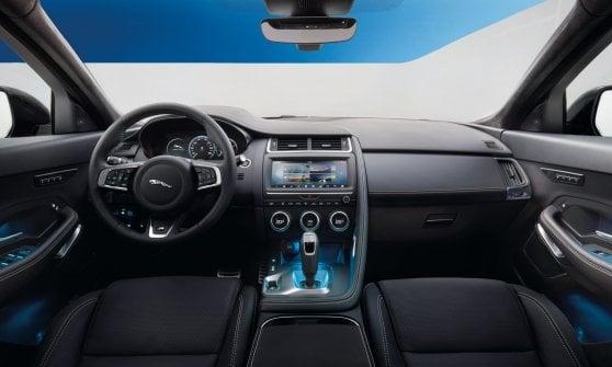 Jaguar E-Pace, altro che piccola...