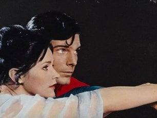 È morta Margot Kidder, addio a Lois Lane, la compagna del 'Superman' Christopher Reeve