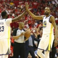 Basket Nba, finale Ovest: Durant trascina i Warriors, Houston va ko