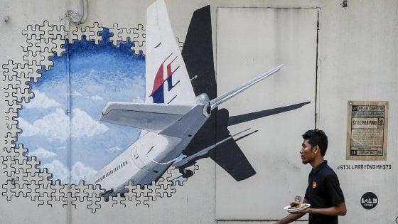 """Svolta sull'aereo scomparso in Malaysia nel 2014: """"Pilota suicida"""""""