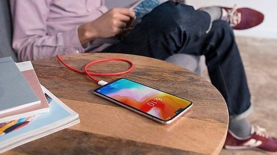 """Arriva OnePlus 6: """"Lo smartphone più potente e alla metà del costo degli altri"""""""