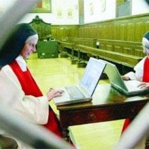 """Vaticano, suore clausura: sì a social e media, """"ma con sobrietà e discrezione"""""""
