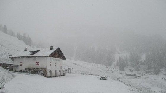 Meteo, è primavera solo per il calendario: neve su Dolomiti, Terminillo e Nuorese