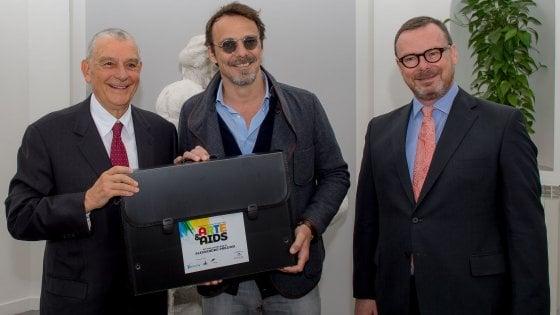 """""""Arte & AIDS"""": artisti e personalità dipingono per sostenere la lotta all'Hiv"""