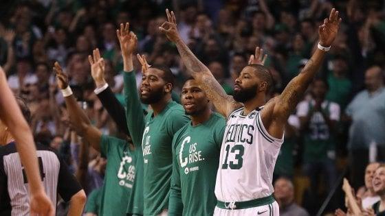 Basket, playoff Nba: LeBron non basta, Boston 2-0 in finale Est