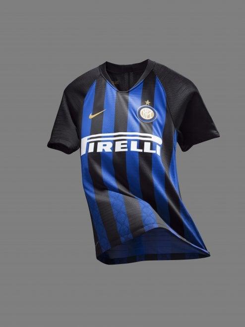 Inter, torna il Biscione sulla nuova maglia
