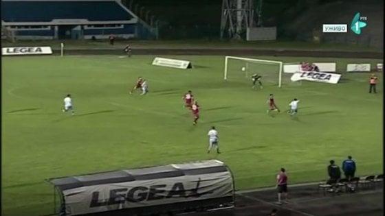 Serbia, arbitro assegna un rigore inesistente: arrestato