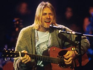 Frances, figlia di Kurt, dovrà cedere la chitarra del padre all'ex marito