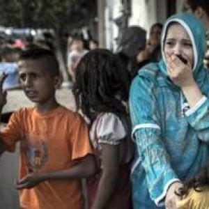 """Gaza, """"Fame e sangue"""": con i valichi chiusi il 90% della popolazione rischia di non avere acqua, cibo e carburante"""