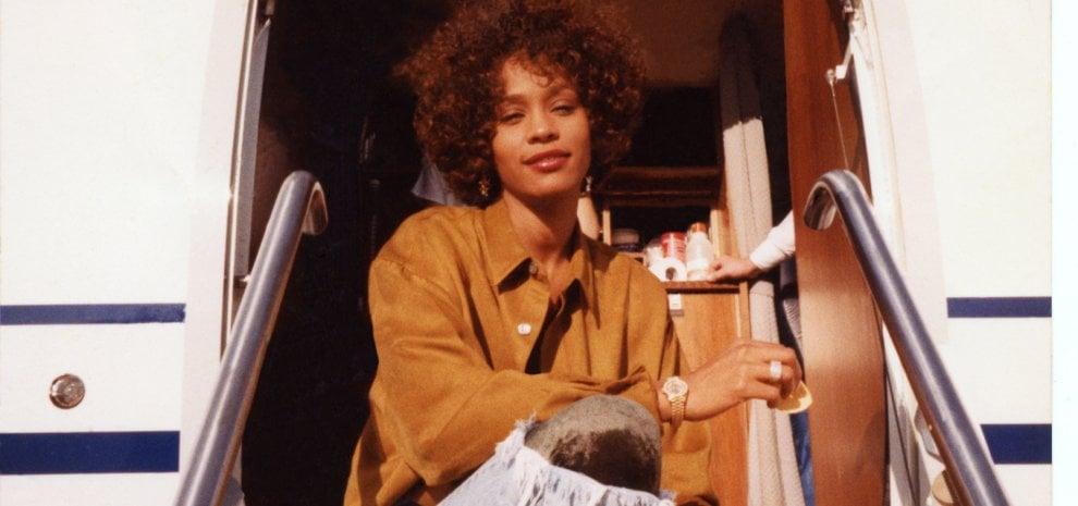 Il mistero Whitney: la musica, il successo, la sofferenza e quel terribile segreto