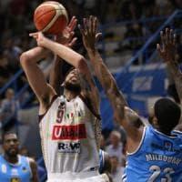 Basket, playoff Serie A: Venezia vola in semifinale. Trento riparte contro Avellino