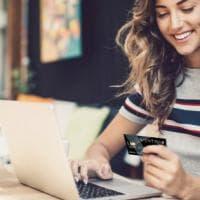 Praticità e risparmio: così l'e-commerce decolla anche in Italia