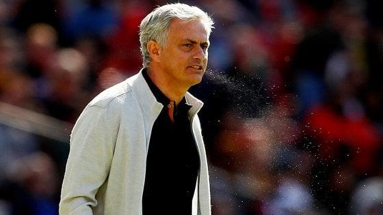 """Mourinho sfida Conte e conferma la pace: """"Ci siamo chiariti"""""""