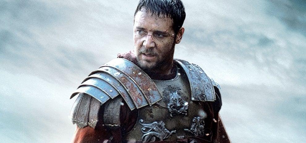 Russell Crowe, un tweet per 'Il gladiatore' al Colosseo: Massimo Decimo Meridio tornerà?