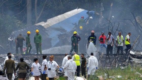 Cuba, aereo di linea si schianta dopo il decollo dall'Avana: 110 a bordo, solo tre i superstiti