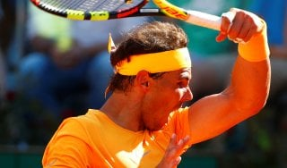 Tennis, Roma: Djokovic si arrende, Nadal in finale dopo 4 anni. Affronterà Zverev