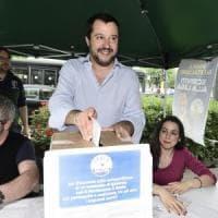 """Aperti i gazebo della Lega. Salvini: """"Il nome entro lunedì, ma M5s stia ai patti"""""""