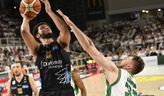 Basket, playoff serie A: Trento affonda Avellino, in semifinale sfiderà Venezia