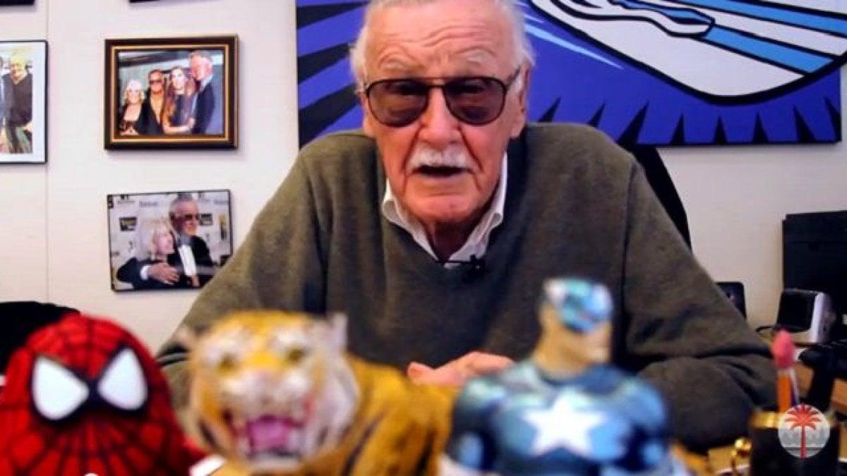 WASHINGTON - Un supereroe Stan Lee, instancabile, a 95 anni