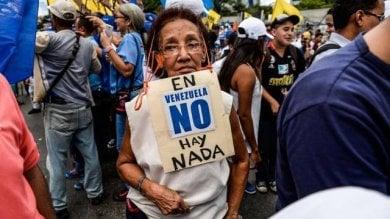 Venezuela, le ragioni dell' esodo  da un Paese ricco con il suo popolo  in coda per comprare il pane