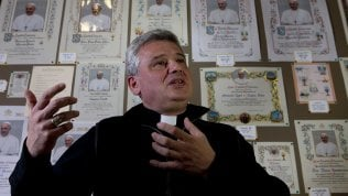 L'elemosiniere pontificio Krajewski