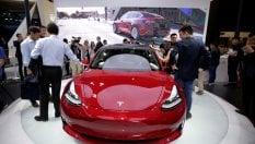 Altro che low cost: la piccola Tesla arriva a 80 mila dollari