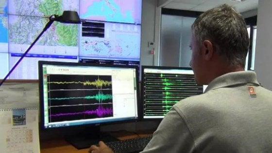 Scossa di terremoto di magnitudo 3.8 nelle Marche. Evacuate alcune scuole