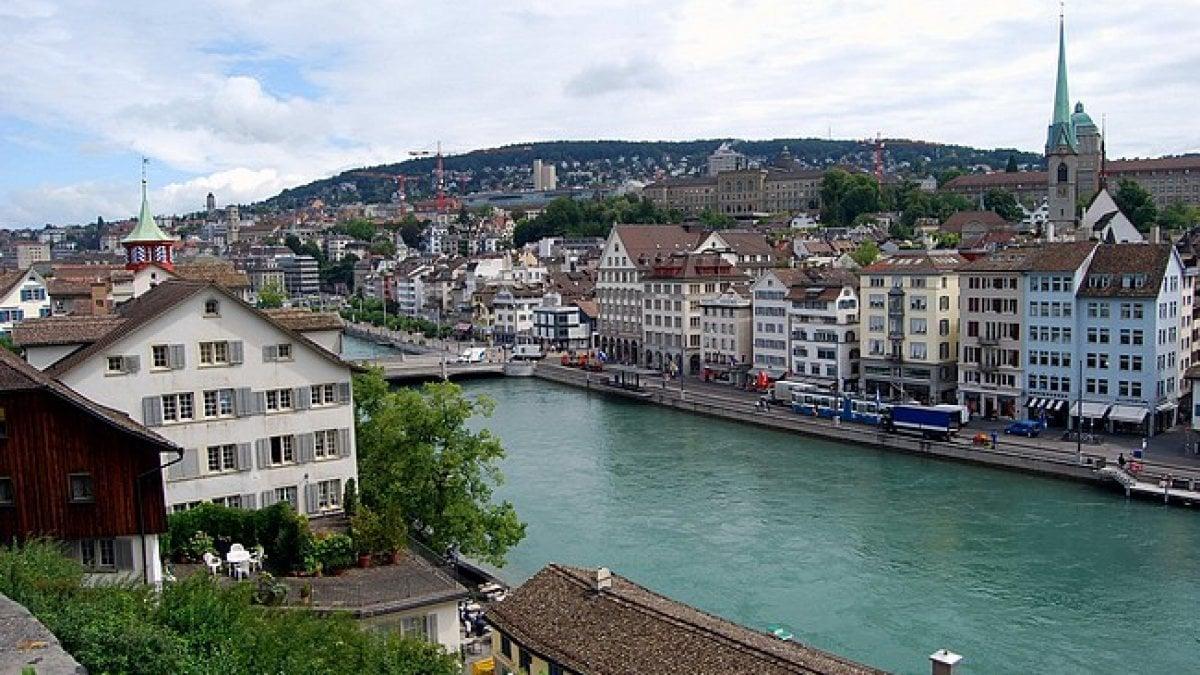 MILANO - In Svizzera si sta registrando un tasso di