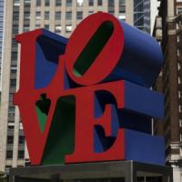 Pop Art, morto Robert Indiana. Fece dell'amore un'opera d'arte globale