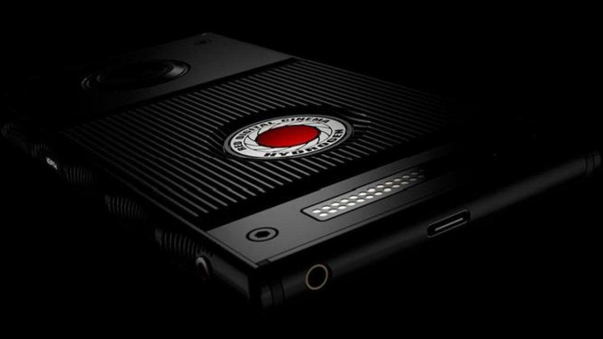 SI avvicina l'arrivo dello smartphone per ologrammi 3D. L'atteso RED